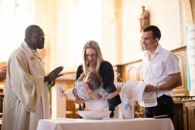 Charlotte, photographe Baptême à Antony